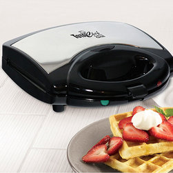 Koolatron - Koolatron Total Chef 4-in-1 Grill - Koolatron Total Chef 4-in-1 grill is a sandwich maker, waffle maker, grill and griddle all in one Compact appliance won't take up too much space in your kitchenVersatile grill easy enough for kids to make their own meals