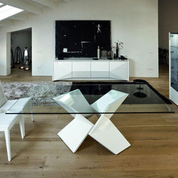 Rossetto - Sapphire White Dining Table - Features: