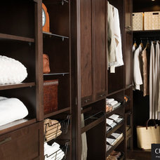 Traditional Closet Organizers by Cuisine Ideale