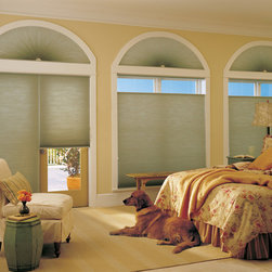 Applause® honeycomb shades with Cordlock - Applause® honeycomb shades with Cordlock Copyright © 2001-2012 Hunter Douglas, Inc. All rights reserved.