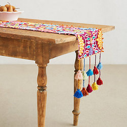 Agave Table Runner - Is this Agave table runner hipster enough for your home?