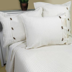 Park B. Smith - Park B. Smith Vintage House Escondido Coverlet - The Escondido coverlet by Park B. Smith adds a beautiful texture and look to any bed with its all-over waffle weave pattern and luxurious ivory color.