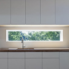 Various Kitchen Backsplash Ideas: Rectangular Glass Window Kitchen Backsplash De