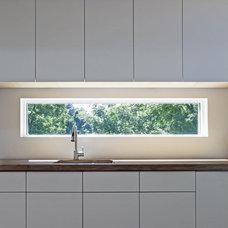 Various Kitchen Backsplash Ideas: Rectangular Glass Window Kitchen Backsplash De