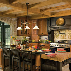 Traditional Kitchen Cabinetry by Candlelight Cabinetry, Inc