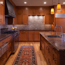 Traditional Kitchen by M A Peterson