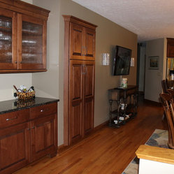 Traditional Pantry Cabinets: Find Freestanding Kitchen Pantry Designs Online