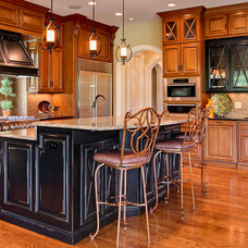 Traditional  by Wolford Building & Remodeling