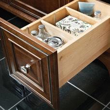 Storage Solutions Details - Vanity Adjustable Drawer Dividers - KraftMaid