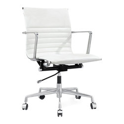 M347 Office Chair in White Italian Leather - Swivel, roll and lift up and down as you please. You are the boss of the office and the world. Fabricated with fine leather, you will look fabulous in this executive, management office chair.