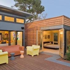 Contemporary  Breezehouse - Prefab 'green' house
