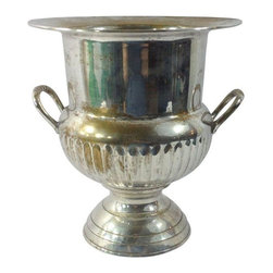 Pre-owned International Silver Co. Champagne Bucket - An elegant silver-plated champagne bucket made by the International Silver Company. Perfect for your entertaining needs! This bucket has a great presence and sheen that will make for an attractive tabletop display.