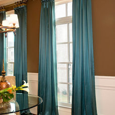 Traditional  by Decorating Den Interiors --The Sisters & Company