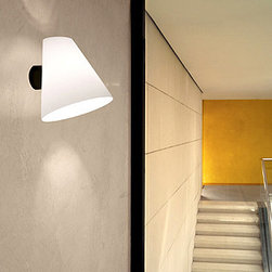 Micene P Wall Lamp \ Sconce By Leucos Lighting - From Leucos the Micene series is a modern contemporary lamp.