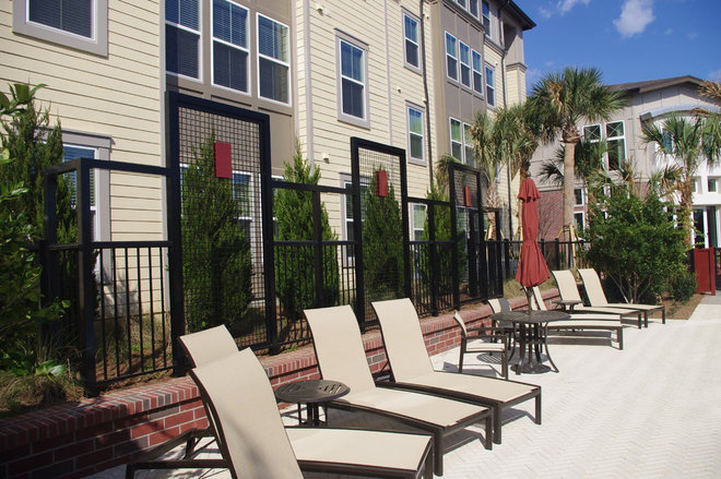 Contemporary Fencing by Barfield Fence and Fabrication