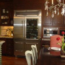 Mediterranean Kitchen by Lori Teacher & Associates