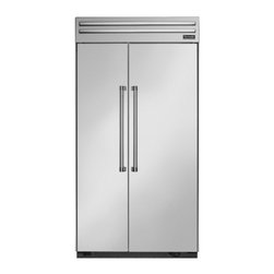 Thermador - 42 inch Built-In Side-by-Side T42BR820NS - We put convenience first when we designed our side-by-side refrigerators. With fully-adjustable glass shelves and easy electronic control, all of our side-by-sides can be ordered with an optional ice and water dispenser.