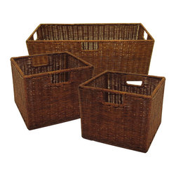 Winsome - Leo Set of 3 Wired Baskets - This set of three wicker baskets, one large and two small, is ideal for use with the Espresso Wide and Narrow Storage Shelves. Made from durable wicker, they are practical as well as elegant.