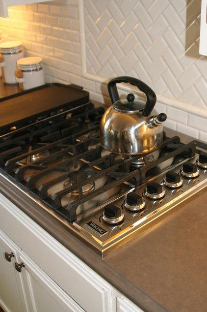 Traditional Kitchen by Valerie Pedersen Interiors