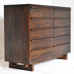 Klasik Ten Drawer Chest - Dimensions: 56w 20d 41h