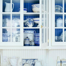 30 Low-Cost Cabinet Makeovers: Save Money by Painting Your Old, Ugly Kitchen Cab