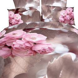 Dolce Mela - Luxury Bedding Duvet Covet Set Modern Linens Dolce Mela DM407, Queen - Sweet dreams in a romantic nest of cherry blossoms.  Spectacularly vivid floral scenery is featured on this bedding ensemble from Dolce-Mela Elite Bedding Collection.