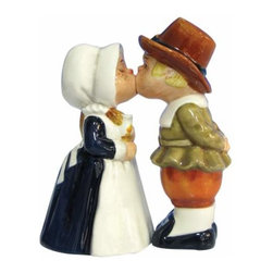 WL - Pilgrims Salt and Pepper Shakers - This gorgeous 4.25 Inch Kitchenware Pilgrims Figurine Salt and Pepper Shakers has the finest details and highest quality you will find anywhere! 4.25 Inch Kitchenware Pilgrims Figurine Salt and Pepper Shakers is truly remarkable.