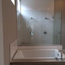 Bath shower arrangement