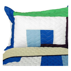 Blancho Bedding - [Dizzy Sun] Vermicelli-Quilted Patchwork Geometric Quilt Set Full/Queen - The [Dizzy Sun] 100% TC Fabric Quilt Set (Full/Queen Size) includes a quilt and two quilted shams. This pretty quilt set is handmade and some quilting may be slightly curved. The pretty handmade quilt set make a stunning and warm gift for you and a loved one! For convenience, all bedding components are machine washable on cold in the gentle cycle and can be dried on low heat and will last for years. Intricate vermicelli quilting provides a rich surface texture. This vermicelli-quilted quilt set will refresh your bedroom decor instantly, create a cozy and inviting atmosphere and is sure to transform the look of your bedroom or guest room. (Dimensions: Full/Queen quilt: 90.5 inches x 90.5 inches; Standard sham: 24 inches x 33.8 inches)