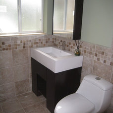 Contemporary  by BATHROOM PLACE