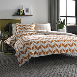 City Scene - City Scene Amelia Cotton 3-piece Duvet Cover Set - This beautiful reversible duvet cover set by City Scene adds spice to your decor. Made with 100 percent cotton,this bedspread is as comfortable as it is durable.
