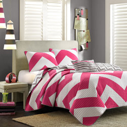 Mi-Zone - Mizone Virgo Reversible 4-piece Quilt Set - The Mizone Virgo Reversible Four-piece Quilt Set updates the look and feel of bedroom decor. A bright pink and white chevron design on one side and a scaled-down grey and white chevron reverse catches the eye instantly.