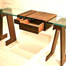 Modern Desks by ThankU.ca