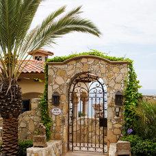 Mediterranean Entry by Djuna Design Studio
