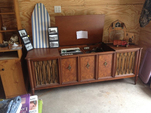 Old Record Player/TV Stand