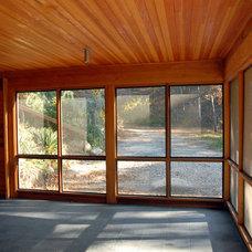 Modern Porch by Hammer Architects