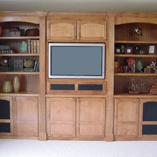 Modern Family Room by Modern Design LLC