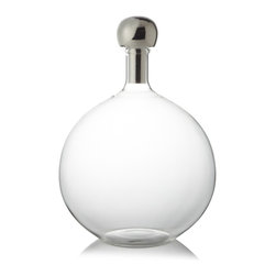 Riado - Ball Stopper Decanter - Our products are handcrafted using high quality materials. Slight variations and imperfections are expected and are the inherent beauty of these items.