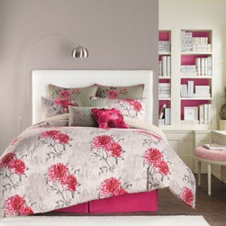 Anthology - Anthology Bloomsfield Reversible Duvet Cover - Transform your bedroom into a beautiful floral sanctuary with the Bloomsfield duvet cover. This bedding offers romance and sophistication with a lovely bohemian floral pattern in a lively color palette.