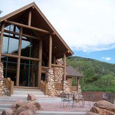 Entry by Lloyd Architects