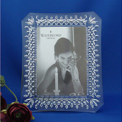 Waterford - Waterford Lismore 5x7-inch Frame - Lovely 5x7-inch frame is your special way to display your treasured photographClassic frame from the Lismore collectionBeautiful picture frame makes a wonderful gift