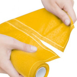 MYdrap Mustard Cotton Cocktail Napkin Rolls - J'adore these disposable hemstitched napkins from Spain-based company MYDrap. In fact, I've been using them for entertaining purposes for a couple of years now, and I am still enamored with them. A little yellow cocktail napkin with white stitching would make the perfect accompaniment to that raspberry spritzer.