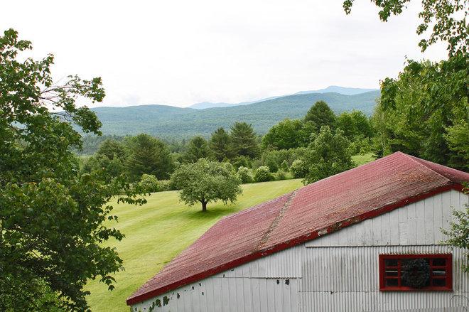 Farmhouse  by Laura Garner
