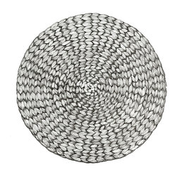 Round Painted Water Hyacinth Placemat - Silver - Its organic beauty draws upon the graceful, ephemeral beauty of summer blooms. The Round Painted Water Hyacinth Placemat - Silver boasts a silken coloration like that of evening moonlight as it gently illumes a garden. A charming addition to a seasonal indoor tablescape, an out-of-doors soir�e, or an unplanned luncheon on the terrace.