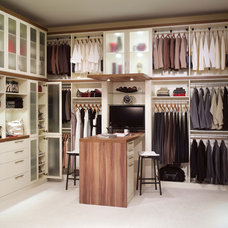 Modern Closet Organizers by Dayoris Custom Woodwork