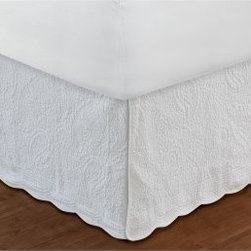 Greenland Home Fashions Paisley Quilted White Bedskirt - Give your bedding that extra bit of visual lift that makes the Greenland Home Fashions Paisley Quilted White Bed skirt a must-have item in any room. This machine-stitched lace features a generous 18-inch drop that's perfect for today's deeper mattresses and oversized comforters. A durable cotton/polyester blends gives it a robust body that's still soft to the touch and able to show off the delicate, paisley stitching that makes this a stand-out highlight to your bedroom ensemble.Skirt Dimensions:Twin: 75L x 39W x 18H in.Full: 75L x 54W x 18H in.Queen: 80L x 60W x 18H in.King: 78L x 80W x 18H in.About Greenland Home FashionsFor the past 16 years, Greenland Home Fashions has been perfecting its own approach to textile fashions. Through constant developments and updates - in traditional, country, and more modern styles – the company has become a leading supplier and designer of decorative bedding to retailers nationwide. If you're looking for high-quality bedding that not only looks great but is crafted to last, consider Greenland.