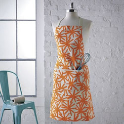Daisy Print Apron - If mom's more of a modern kind of gal, then this daisy print apron might be a great fit!
