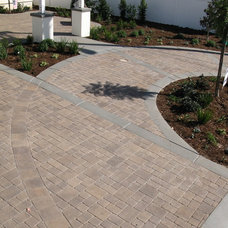 Traditional Landscape by Promised Path Landscaping Inc