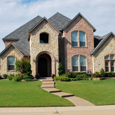 Traditional  by Kenneth Graham Construction