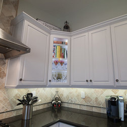 Dynasty, Lynnville, Maple, Pearl - Dynasty by Omega cabinetry in Lynnville door style, Maple wood with a Pearl finish.